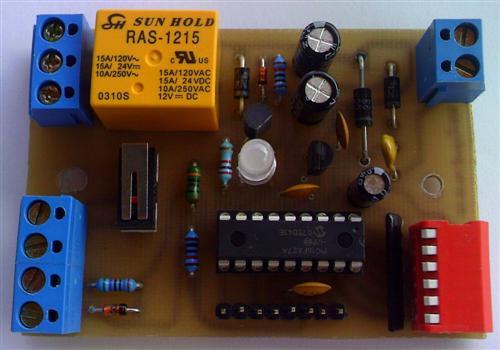 Multifunkční relé řízené mikrokontrolérem PIC