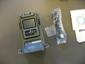 Fotopast je vybavena LCD displejem a tlačítky pod voděodolným krytem