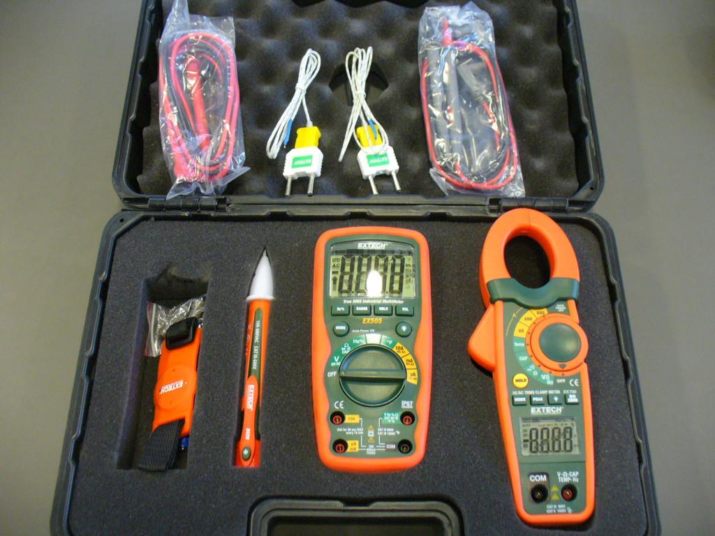 Sada měřicích přístrojů pro elektrikáře